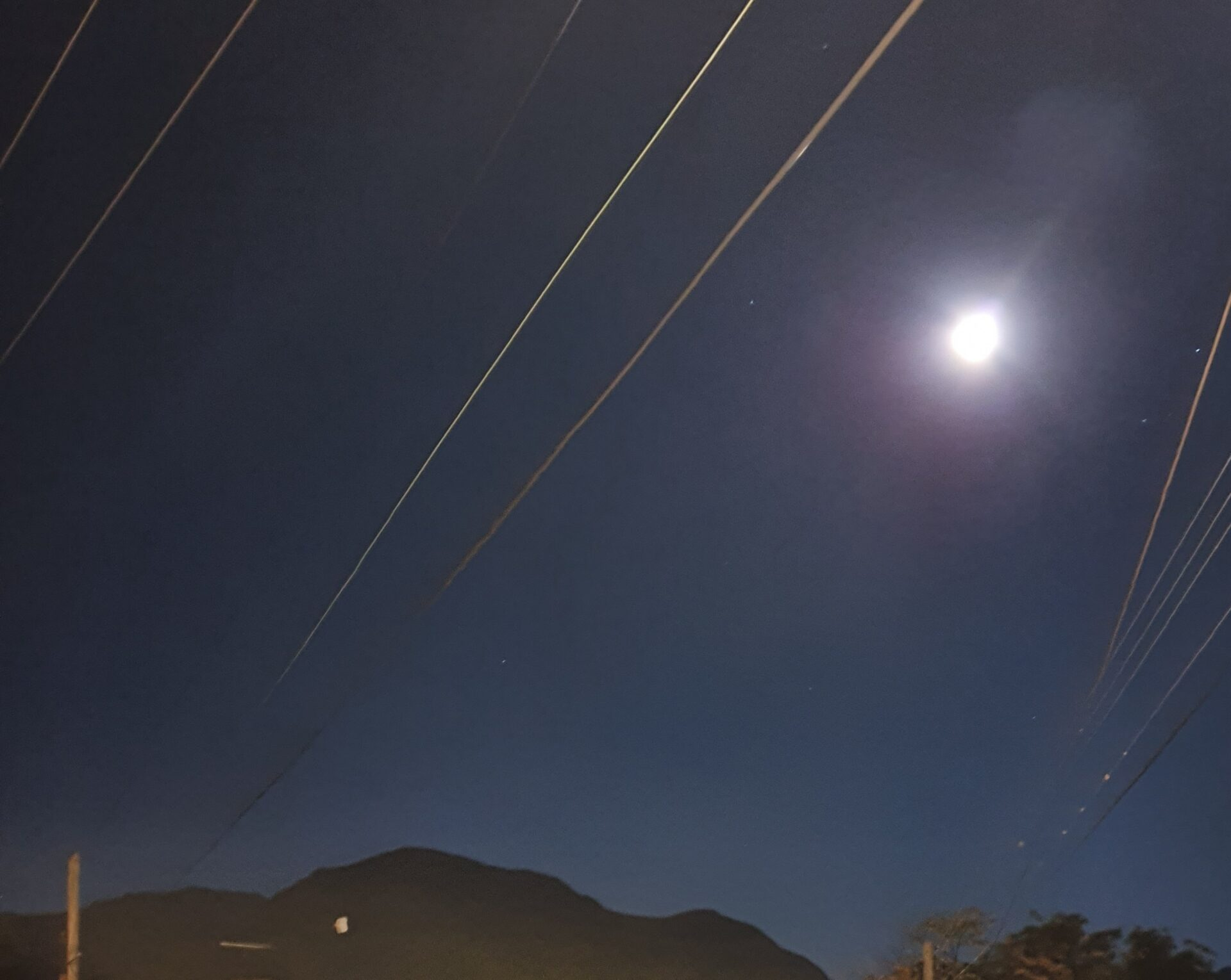 Esta Noche : «La Última súper Luna del Año «
