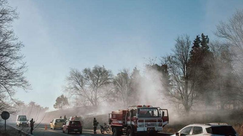 Choque e incendio entre dos vehículos en Santa Cecilia
