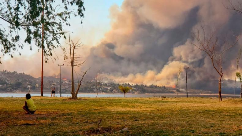 Continúa la lucha contra múltiples incendios en Córdoba