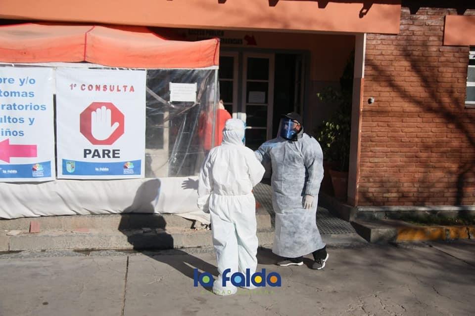 PRIMER CASO DE TURISTAS CON COVID-19 EN LA FALDA : SE ACTIVO EL PROTOCOLO