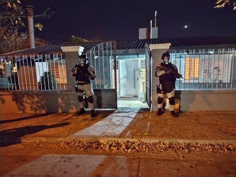 SECUESTRAN COCAÍNA Y CASI 2 MILLONES DE PESOS EN UN KIOSCO DE DROGAS DE VILLA CARLOS PAZ