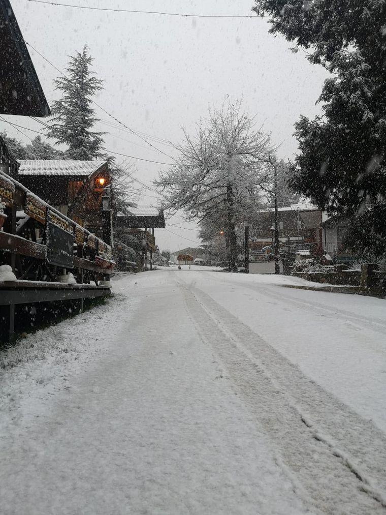 Una nueva nevada sorprende a las sierras de Córdoba