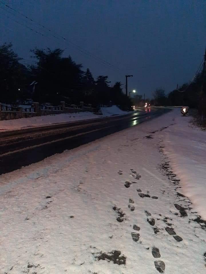 Está nevando en las Altas Cumbres y piden circular con precaución