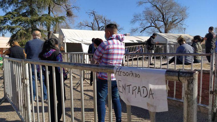 Córdoba: 20 contagiados con la variante Delta y 800 aislados